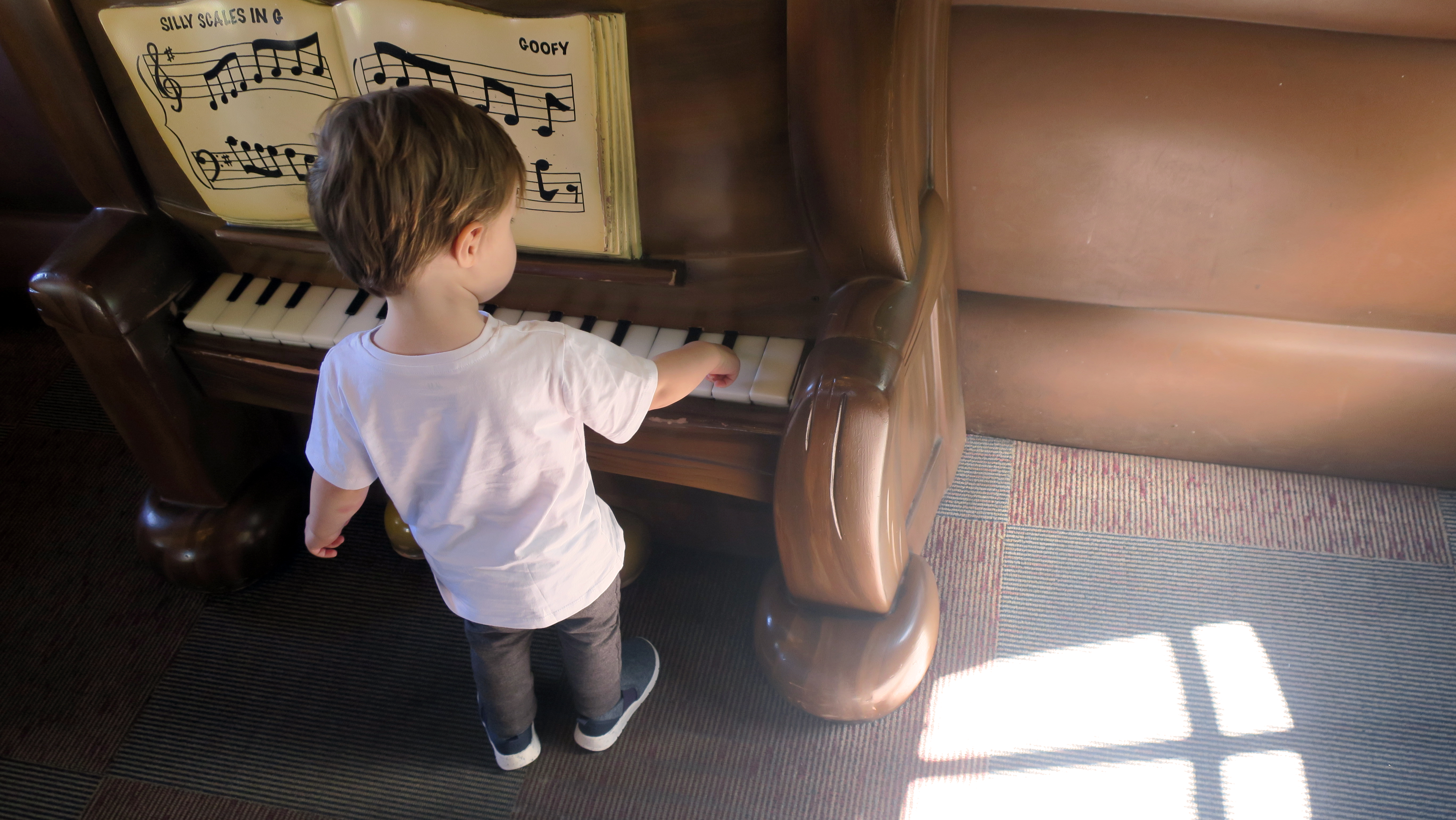 disneyland californie piano