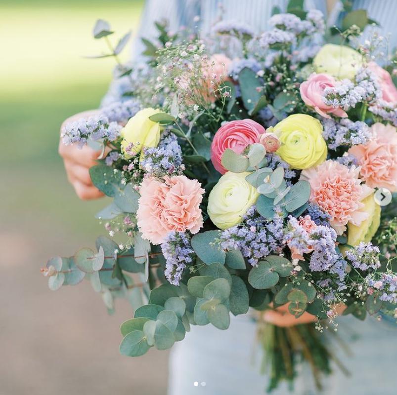 cadeaux fête des mères mademoiselle bouquet de fleurs olivia